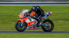 Looking for the opposition (Tony Howsham) Tags: kawasaki motorsport motorcycle racing circuit anglia east norfolk snetterton 100400mkii 80d eos canon