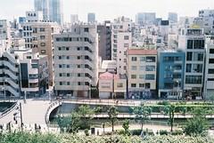 F1210038 (everydayepisodes) Tags: film tokyo japan street streetview canon ql17 fuji superia 400 fujisuperia400 canonql17