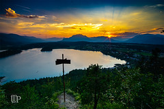 Magic sunset (Sony_Fan) Tags: sony alpha 6000 samyang 12mm 20 landscape summer 2018 holiday magic sunset sky clouds thomas umbach fotograf color colorful austria emount manual evening sun stream light warm faaker see tabor höhe taborhöhe