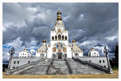 Minsk, Gedächtniskirche aller Heiligen (laszlo.gyimothy) Tags: minsk cathedral sky belarus gedächtniskircheallerheiligen blue dark grey beautiful most mostbeautiful