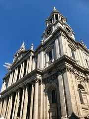 St. Paul's Cathedral, London (John D McDonald) Tags: iphone iphone7plus appleiphone appleiphone7plus london geotagged church cathedral churchofengland anglican wren christopherwren sirchristopherwren cityoflondon architecture renaissance baroque squaremile