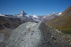 lateral moraine @Fluealp, Zermatt (Toni_V) Tags: m2409129 rangefinder digitalrangefinder messsucher leicam leica mp typ240 type240 35lux 35mmf14asph 35mmf14asphfle summiluxm hiking wanderung randonnée escursione blauherdunterrothornzermatt matterhorn cervino cervin alps alpen fluealp moräne seitenmoräne zermatt wallis valais oberwallis switzerland schweiz suisse svizzera svizra europe ©toniv 2018 180908 lateralmoraine
