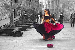 Street dance (Fnikos) Tags: street city building architecture people music musica música dance danza dansa ball baile ballo wall nature plant blackandwhite outdoor