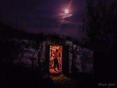 una pizza al chiaro di luna (adrianaaprati) Tags: moonlight moon night pizza italianfood countryside august summer oven people
