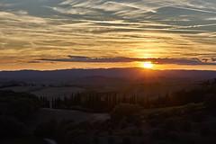 Sunset (hbothmann) Tags: toskana italien sunset tramonto sonnenuntergang landschaft landscape tuscany toscana toskanalandschaft wolken clouds planar8514za hendrickbothmann