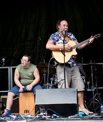Grizzly & The Grasshoppers (gddik) Tags: weyfest festival music performance performer concert singer guitar cajon