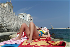 (Just Another Swimsuit Issue) (Robbie McIntosh) Tags: leicam9p leica m9p rangefinder streetphotography 35mm leicam autaut candid strangers leicaelmarit28mmf28iii elmarit28mmf28iii elmarit 28mm seaside tan naked sand man women girls monopoli puglia beach onthebeach bathers umbrella bikini speedo shadow