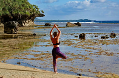 Nouvelle Calédonie / Yaté /Yoga/ Vriksasana (Laurent Eyrin) Tags: yoga new caledonia vriksasana bra