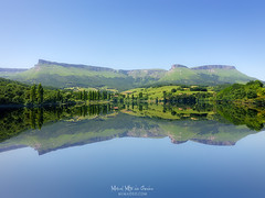 Maroño (Mimadeo) Tags: lake reflection reflections mirror blue sky basquecountry mountain mountains sierrasalvada sunny euskadi gorobel idyllic landscape marono reservoir spain symmetrical symmetry tranquil water alava paisvasco euskalherria aiara ayala aiaraldea copyspace