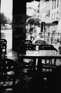 août, sous la pluie