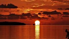 Setting star (alansurfin) Tags: mirror mirage mirari inferior sun sunset sky sea ocean water clouds solar star reflection florida summer