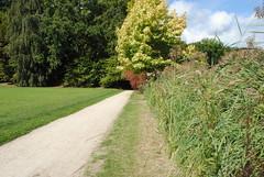 (degreve.sarah) Tags: path way park garden