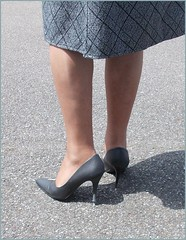 2018 - 08 -  Karoll  - 597 (Karoll le bihan) Tags: escarpins shoes stilettos heels chaussures pumps schuhe stöckelschuh pantyhose highheel collants bas strumpfhosen talonshauts highheels stockings tights