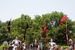Tournament Joust, Week 6- Sunday (Pahz) Tags: thejousters joust jousting jousters jouster knight squire horse lance encranche plumage armor shield joustgames fullplatejoust helm brf2018 pattysmithbrf bristolrenaissancefaire renfaire renfest renaissancefairephotographer nikond7200 tamron16300mm