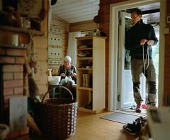 Norway (CosmosWeDance) Tags: film 120 6x7 plaubel makina 67 norway people mediumformat fuji 400h portrait