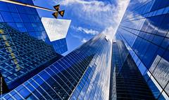 SocGen (L'Abominable Homme de Rires) Tags: ladéfense paris building skyscraper gratteciel immeuble verre tour igh bleu blue iledefrance canon5d 5dmkiii sigma 24105mmf4 dxo photolab lightroom city urban