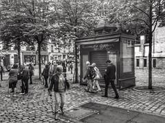 Mademoiselle Charivari (LUMEN SCRIPT) Tags: unsharp blur dream people tree street paris france tradition haze