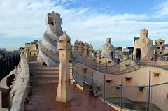 20151126_091540 (xd_travel) Tags: spain barcelona nov2015 casamila gaudi lapedrera architecture modernism roof chimney
