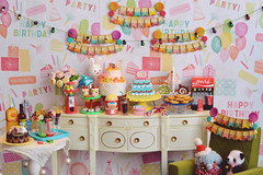 Happy Birthday! 🎂 (Moonrabbit_ly) Tags: birthday rement rements miniature dollhouse diorama doll party