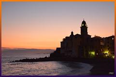Camogli ore 21,28 (Super Mario Bros1) Tags: camogli liguria tramonto mare genova chiesa orologio croce