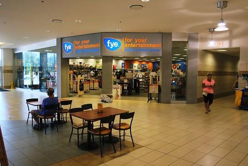 Usa Erie Pa Millcreek Mall Complex Fye Entertainment Store Near