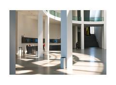 3568924378586245726252 (Melissen-Ghost) Tags: fuji fujifilm xpro2 color photography farbfotografie architektur architecture museum pinakothek der moderne munich münchen people lines rf 18mm film simulation classic chrome