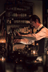 Rogerio Igarashi Vaz, Trench, Tokyo, Japan (Plan R) Tags: trench cocktail bar bartender leica m 240 noctilux 50mm