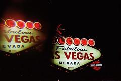 Las Vegas Boulevard (cestlameremichel) Tags: canon ae1 kodak portra night nevada lights circus strip las vegas boulevard 800 film 35mm analog analogue analogica filmisnotdead argentique