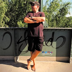 The master himself (QuidoX) Tags: man male bridge city urban barefoot anklet toerings sunglasses tan outdoor