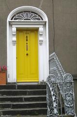Ach, mein Jesu, sieh, ich trete (amras_de) Tags: tür türe deur puerta porta dvere dør door pordo uks ate ovi porte doras vrata ajtó hurð ianua durys durvis drzwi dörr kapi dublin irland irlanda irska irsko irlando iirimaa irlandakoerrepublika irlanti irlande poblachtnahéireann írország republicadeirlanda írskalýðveldið hibernia republikirland airija ierland republikkenirland republicadirlanda irlandia repúblicadairlanda republicoireland írsko
