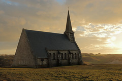 Chapelle Notre-Dame de la Garde (Catherine Reznitchenko) Tags: architecture paysage chapelle étretat normandie france landscape chapel extérieur outdoors pierre stone patrimoine history histoire nature vegetation soleil lumière sunlight travel europe building bâtiment structure old nuages clouds notredamedelagarde grass herbe green plante scenery sunset coucherdesoleil sky road catherinereznitchenko