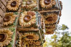 El Capricho de Gaudí (Juanda82) Tags: comillas cantabria pueblo mar marcantábrico elcapricho elcaprichodegaudí gaudí antoniogaudí villaquijano girasol sunflower