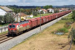 Medway 4719 (Fábio-Pires) Tags: portugal medway 4700 medway4700 4719 medway4719 vendadacruz siemens eurosprinter vagões wagons mercadorias freight linhadonorte electric elétrica tracçãoeléctrica locomotiva locomotive