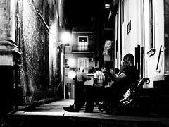 Urban People 03 (Giovamilo_90) Tags: street streetph streetphotography streetphoto streetview streetphotographer strada blackandwhite biancoenero bw black bn bnw bianconero monocromatic monocromo monochrome monocrome people urban