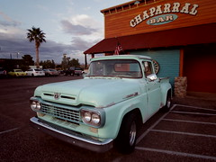 chaparral bar, cottonwood az (EllenJo) Tags: cottonwood arizona az ford truck chaparralbar september1 2018 ellenjo pentaxqs1 verdevalley inexplore cottonwoodaz 86326 ruralarizona fordtruck vintage bar tavern turquoise karmannghia strombollis palmtree 89a historic89a