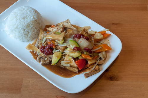 Chop suey with tofu and rice