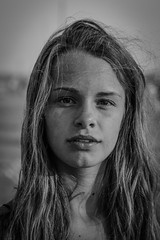 24082018-senza titolo-119-9 (Chiaro Chiari) Tags: girl monocromo ragazza sea mare giovinezza youth beauty beautiful sand sabbia wind vento hair capelli eyes occhi woman donna blackwhite bn bianco nero portrait ritratto natural light luce naturale