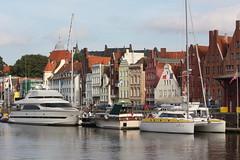 Lübeck: Jachten auf der Trave am Museumshafen (Helgoland01) Tags: lübeck schleswigholstein deutschland germany hafen harbor port fluss river trave boot boat schiff ship hanse unesco weltkulturerbe