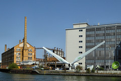 Industrie am Ufer (Gertrud K.) Tags: berlin boattrip technics