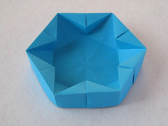 "Hexagonal Box (Francesco Guarnieri) Tags: hexagonalbox ""hexagonalbox""hexagon scatola box container casilla caixa boîte caja cajas dish scatolaastella starbox stardish 星 stella star estrella estrellas estrela strellas étoile stern 3dsculpture arte art origami paperart paperfolding papercrafts papiroflexia dobradura pliage papierfalten 折り紙 carta paper papel papier fguarnieri geometric francescoguarnieri"