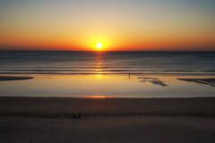 Cadíz (dubdream) Tags: cádiz andalucía españa spain colorimage sunset reflections beach people atlantic olympuspenf dubdream seascape ocean tide