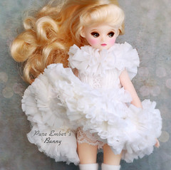 Ruffly (pure_embers) Tags: pure embers doll dolls uk pureembers photography laura england fashion bluefairydoll minimay honey cute pretty portrait korean bunny white ruffles dress golddin snow