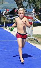 Coming fast (Cavabienmerci) Tags: kids triathlon 2018 yverdon les bains switzerland suisse schweiz kid child children boy boys run race runner runners lauf laufen läufer course à pied sport sports running triathlete