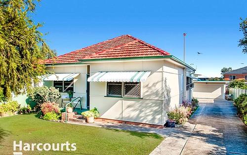 18 Hayes Av, Northmead NSW 2152