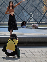 Women who want to be photographed and others who do not want to (pivapao's citylife flavors) Tags: paris france people girl beauties louvre photographer namus
