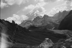 Val Tschitta & Albulapass (vladixp) Tags: fp4 fp480 d76 14min 20c 12 praktica mtl5 flektogon k2 pf7250u 3600dpi 35mm fp4plus yellowfilter filmscan 35mmfilm film bw bwfilm filmphotography negative scanned ilford graubünden grigioni grisons svizzera schweiz switzerland suisse valtschitta preda naz tschitta albulapass