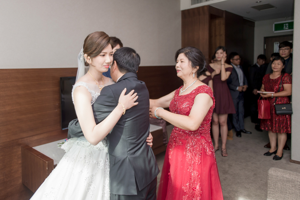 高雄婚攝 海中鮮婚宴會館 有正妹新娘快來看呦 C & S 060