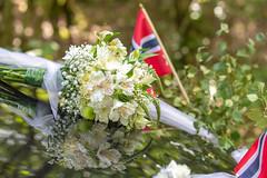 Ready for Another Wedding (Ranveig Marie Photography) Tags: wedding bokeh bouquet flowers brudebukett bukett flag norge norsk norway norwegen flagg bil brudebil car
