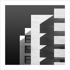 Retallada VII / Cut VII (ximo rosell) Tags: ximorosell bn bw buildings llum luz light arquitectura architecture abstract abstracció squares minimal ombres valencia spain