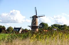 's-Gravenpolder (Omroep Zeeland) Tags: weer zeeland molen ochtend stapelwolken lucht